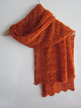 Tricotez-la dans l une des couleurs vibrantes de la Manos del Uruguay Wool  classica et vous aurez une écharpe d exception, parfaite pour un cadeau de  Noël ! 934d033c089