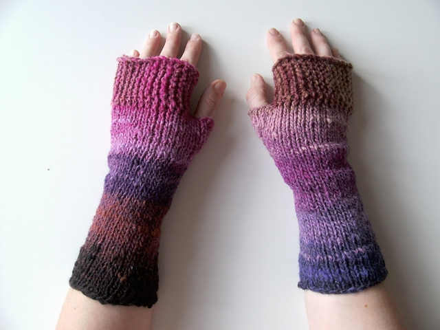 Camp_out_fingerless_mitts1_medium2